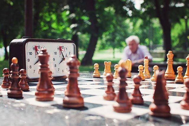 waiting ig_beograd instagramsrbija ig_serbia playing nature outside game patience chess oldman