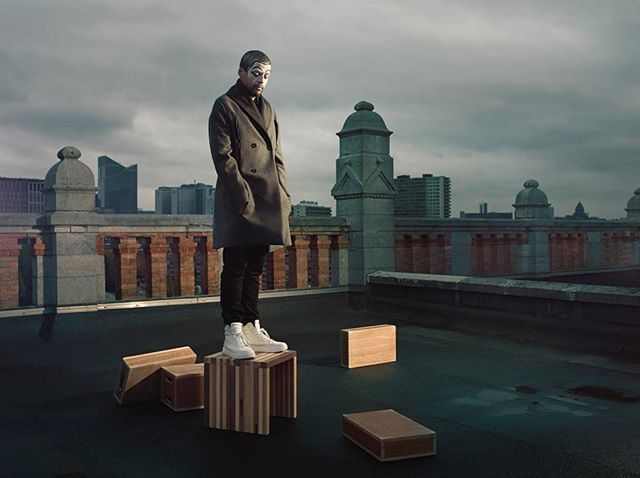 view poirot designer rooftop fashion statue portrait mode cloudy brussels city victoiremagazine