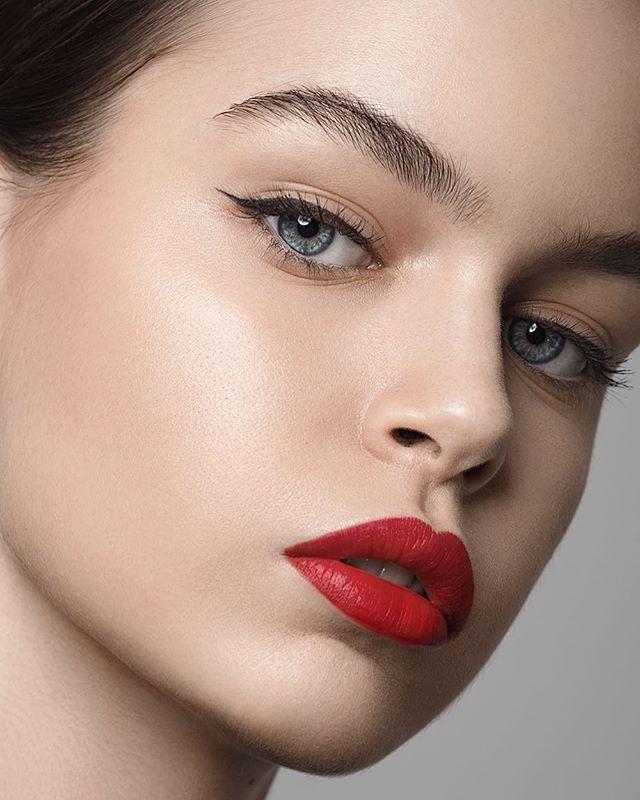 germany photographer munich makeup model naturalmakeup face closeup naturalbeauty portraitphotography beautyphotography retoucher closeupportrait fashionportrait