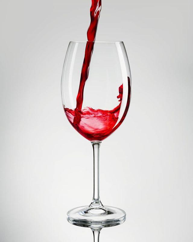 winter wineglass wine reflection redwine lighting commercialphotography