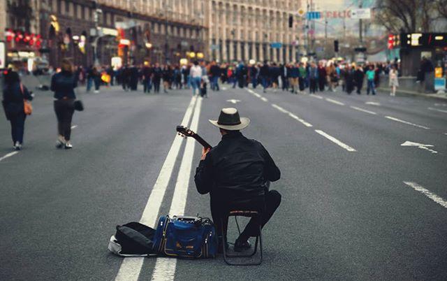 київ2018 київ ukraine streetmusician musician kievonline kievnow kievmap kievlove kievlife kievguide kievgram kievday kiev khreschatyk