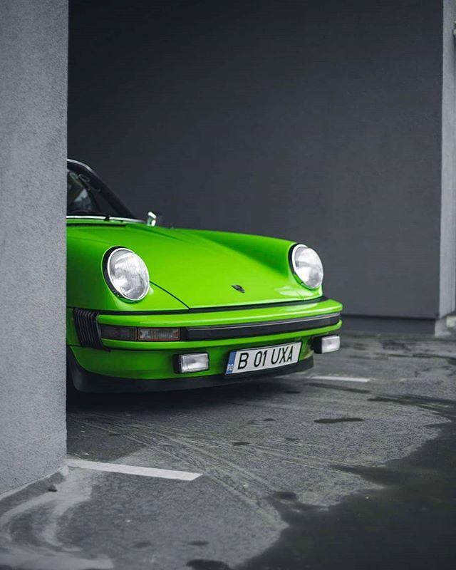 targa sport show porsche green 911