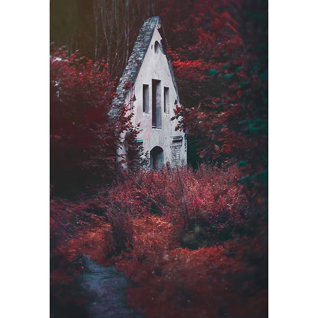 urban red photoshop photography photo lightroom divine_forest abandoned