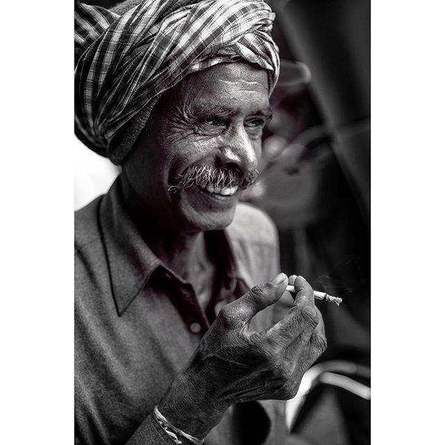 turban portraitsindia portraitphotography indiapictures indiaphotoproject india documentary delhi _coi bw blackandwhiteportrait blackandwhitephoto blackandwhiteonly blackandwhitechallenge blackandwhite
