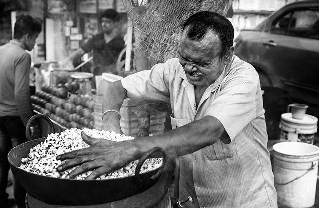 streetsofdelhi streetphotography popcorn photooftheday photography monochrome instagram india hands documentary composition _coi blackandwhitephotography