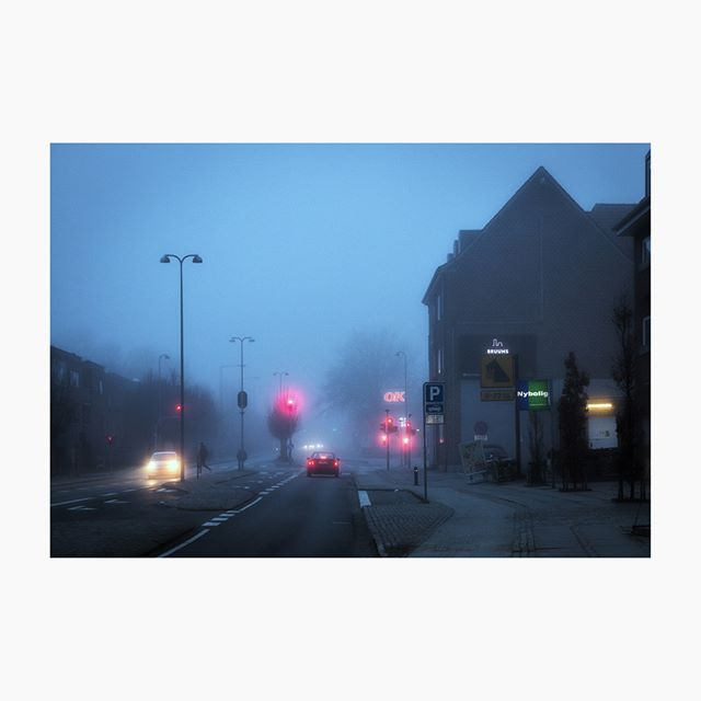 mitaarhus winter nightphotography danishwinter blue streetphotography cities denmark night åbyhøj citylights streets aarhus nightshots lenzphoto fog dark cityscapes color