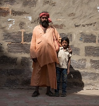 indian man and child