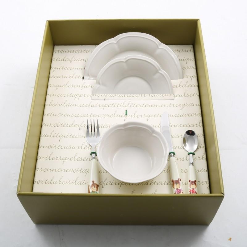 Servizio di posate e piattini in ceramica realizzati da Patrizia Nobile