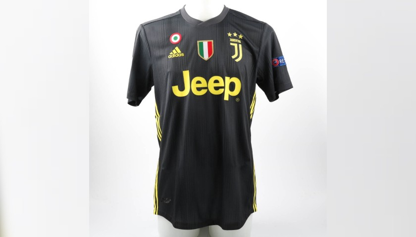newest 8d3a7 11b9b Ronaldo's Authentic Juventus 2018/19 Signed Shirt - CharityStars