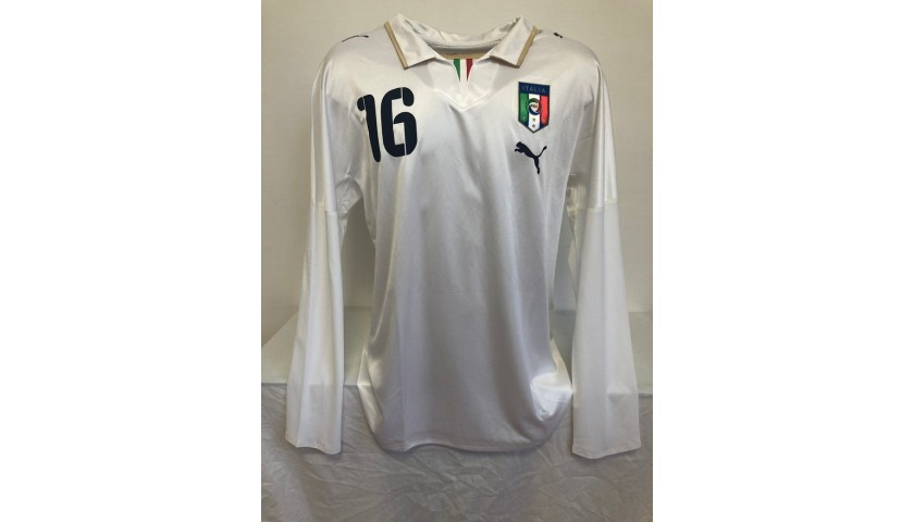 De Rossi's Italy Signed Match Shirt, 2008