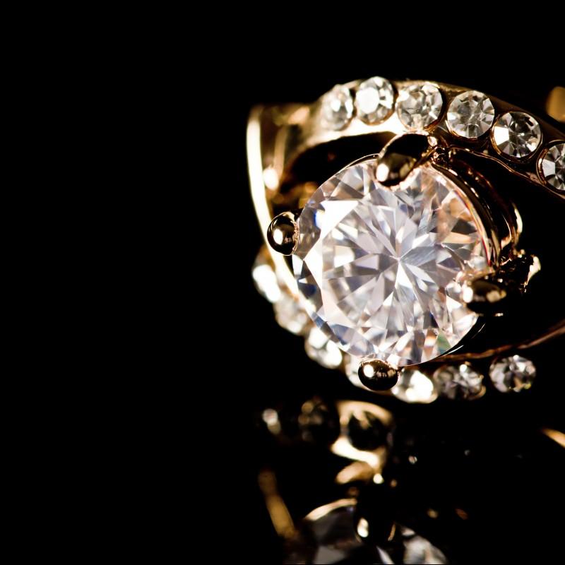 Exquisite Holiday Jewelry