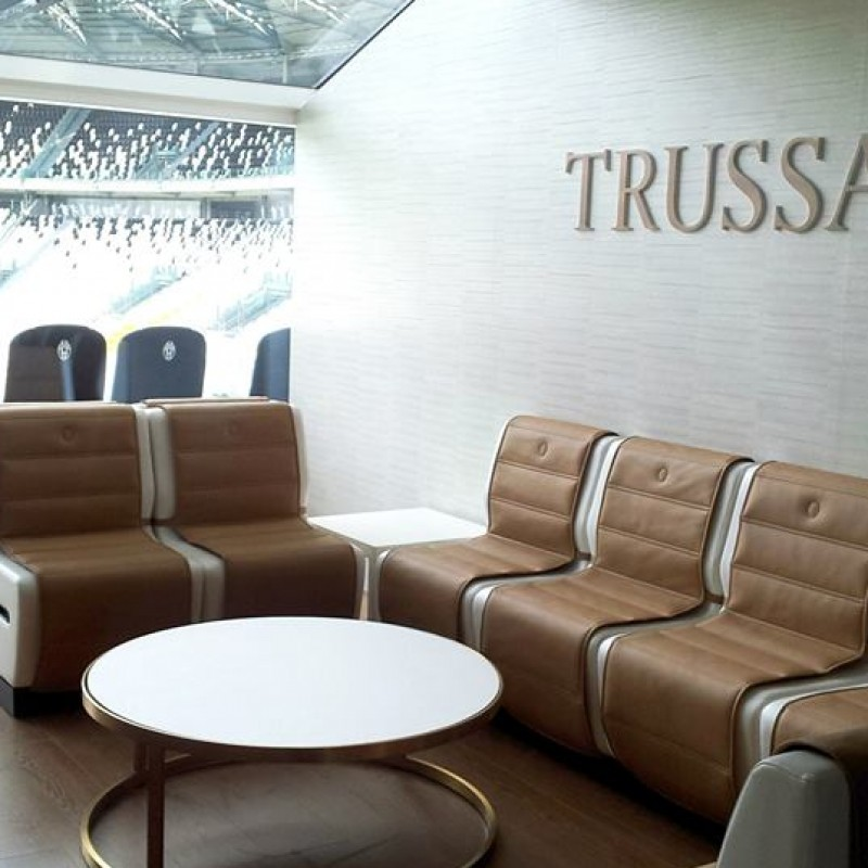 2 seats at Trussardi SkyBox for Juventus-Fiorentina, 9th of March