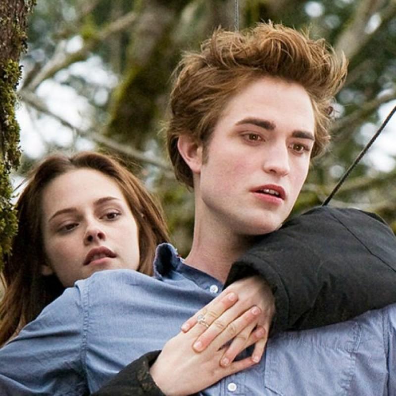 Robert Pattinson Signed Twilight Guitar