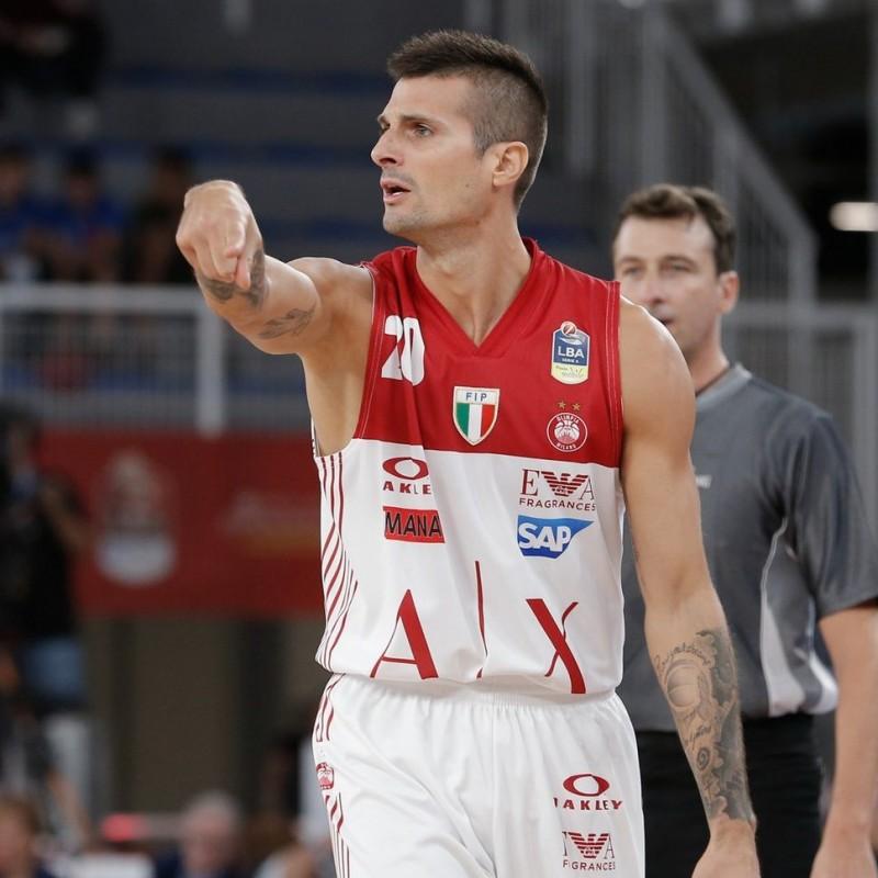 Cinciarini's Official Olimpia Milano Signed Vest