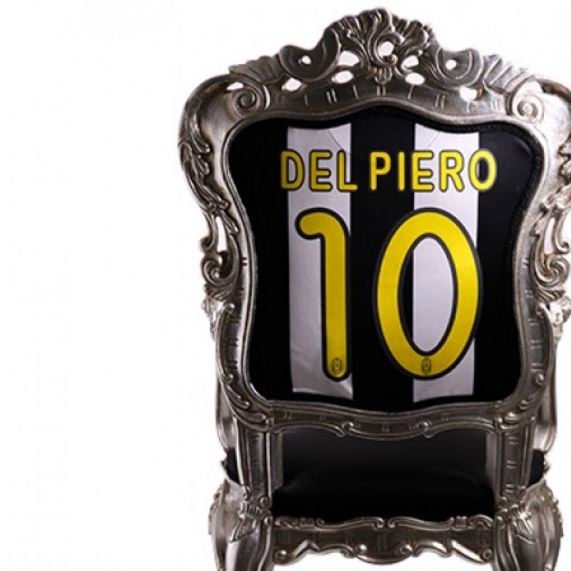 Personalized Throne with your favorite football club jersey