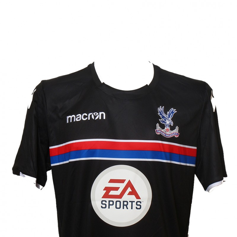 Play Right Forward Alongside Crystal Palace FC Legend Andy Gray