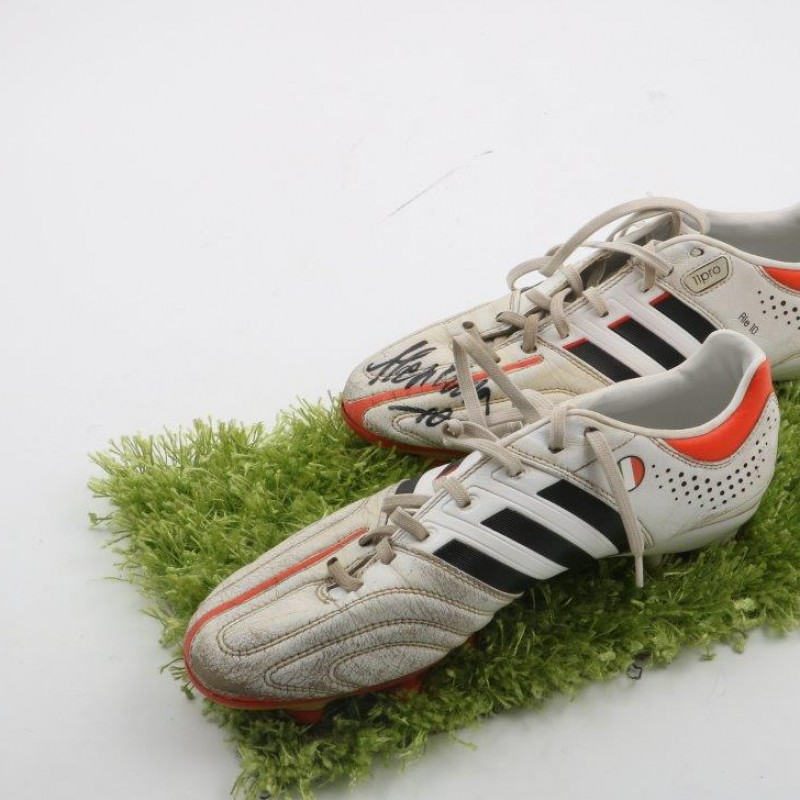 Match boots worn by Alessandro Del Piero in his last year with Juventus - signed