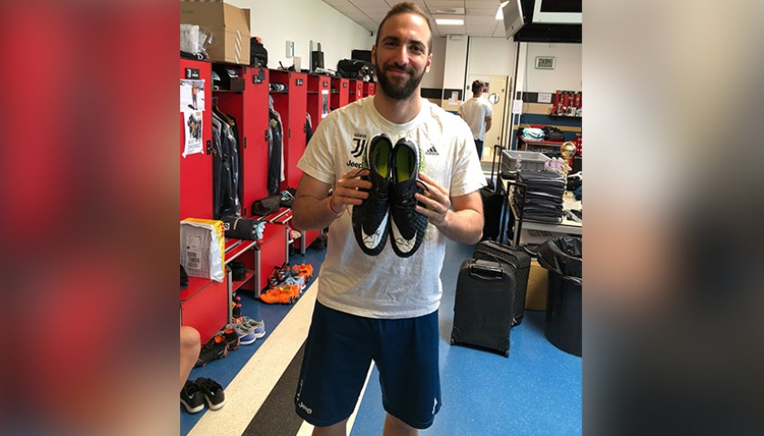 Higuain Issued/Signed Football Boots, Season 2017/18
