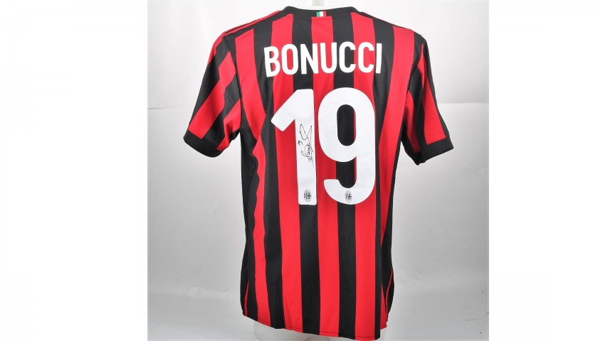 Bonucci's Official 2017/18 Shirt - Signed