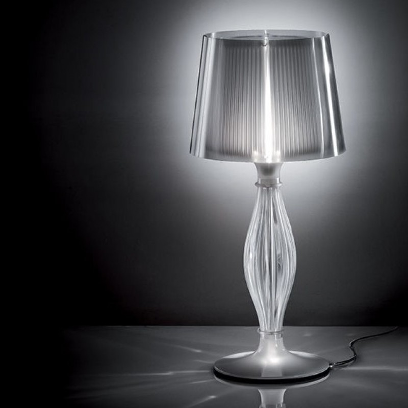 LIZA table lamp, realized by Slamp