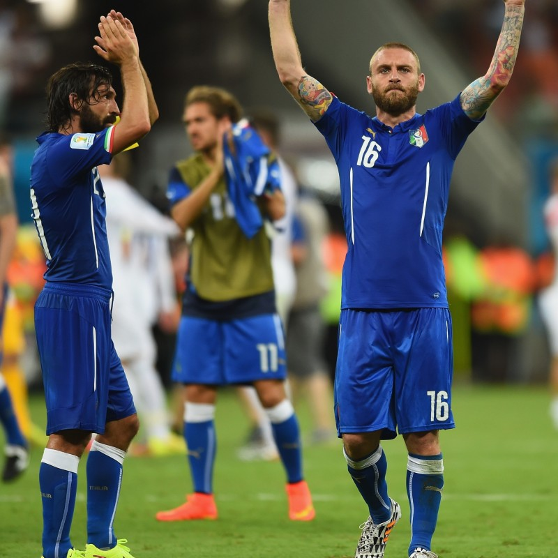 De Rossi's Italy Match-Issue/Worn Shirt, World Cup 2014