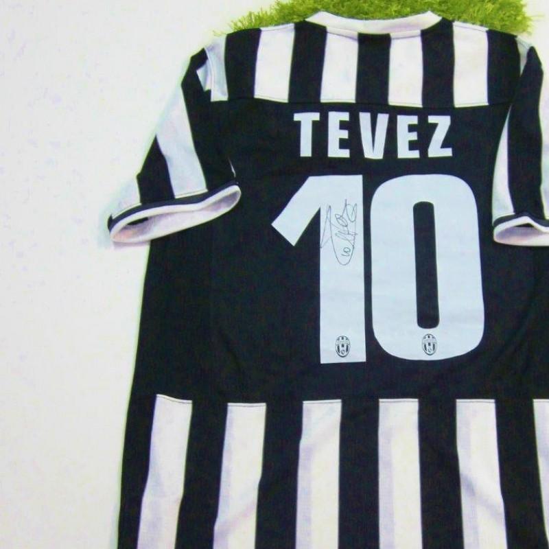 Juventus shirt, 201372014 - signed by Tevez