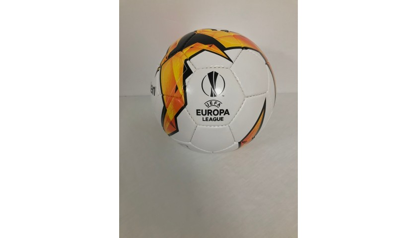 Official EL 2018/19 Football - Signed by Olivier Giroud