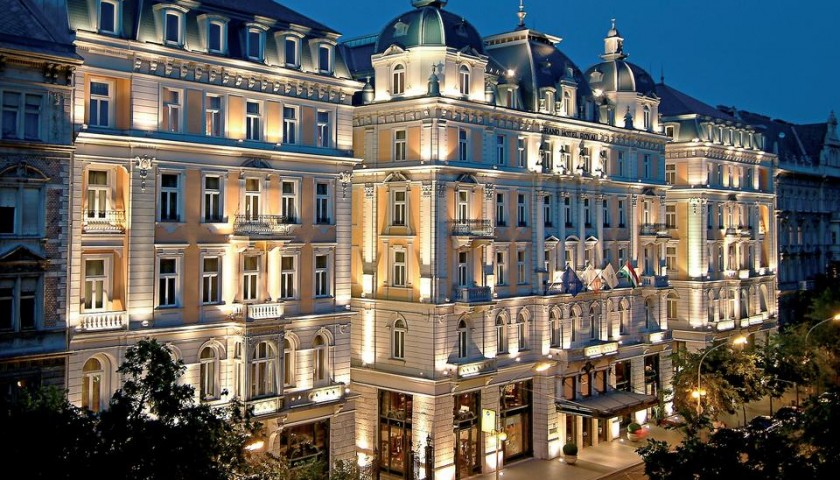 Soggiorno di 3 Notti in Junior Suite presso il Corinthia Hotel ...