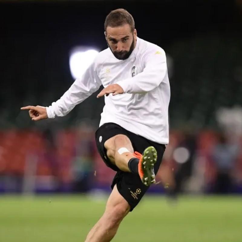 Higuain's Juventus Signed Warm Up Shirt, UCL 2016/17