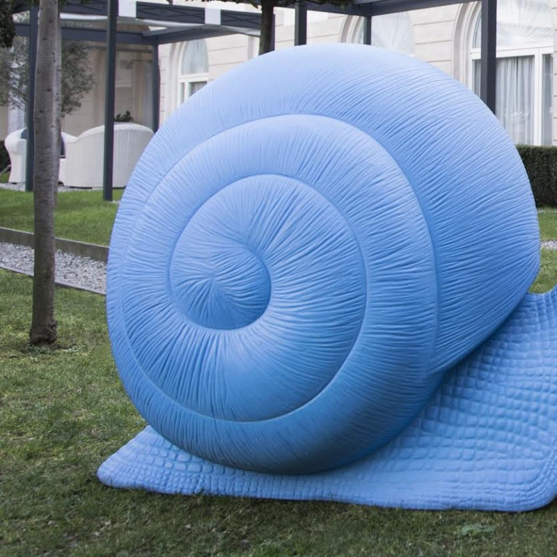 Cracking Art Snail Model