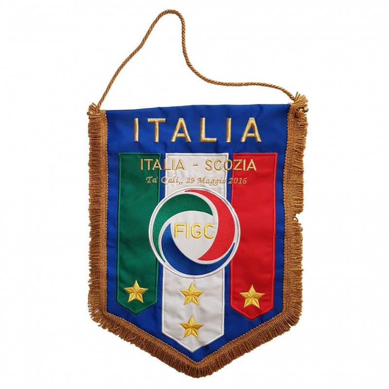 Official Pennant, Italy-Scotland 2016