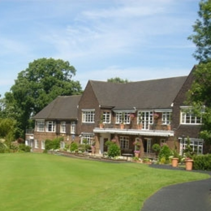 Play Golf at the Royal Wimbledon Golf Course