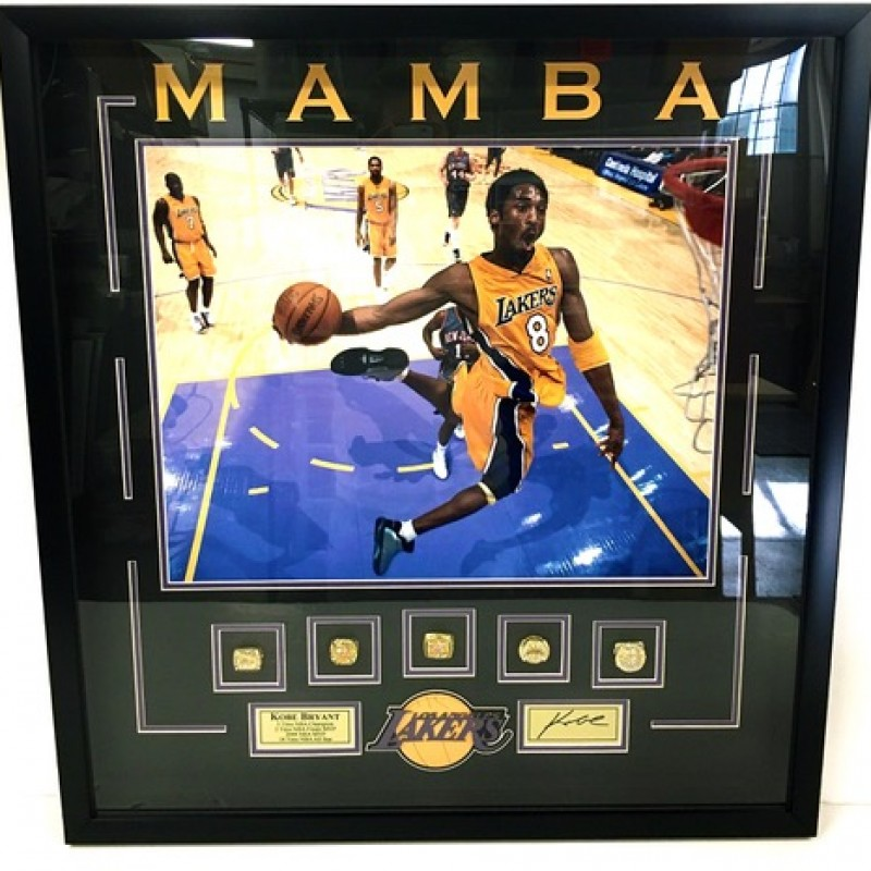 Kobe Bryant Black Mamba Replica NBA Championship Ring Shadowbox