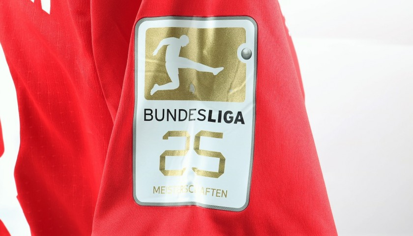 Vidal's Match-Issued/Worn Shirt, Bayern Munich-Freiburg 2017