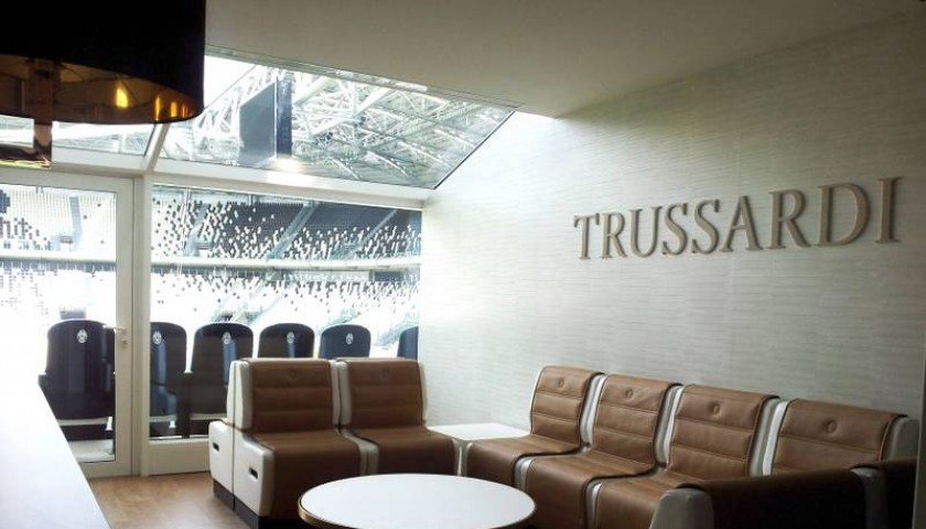 Vivi juventus torino dallo skybox trussardi allo j stadium for Interno j