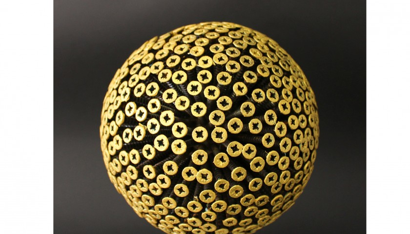 """Drill Monkeys Art Duo """"Planet Gold"""" - sphere with screws and wooden base - 15x36x15 cm"""