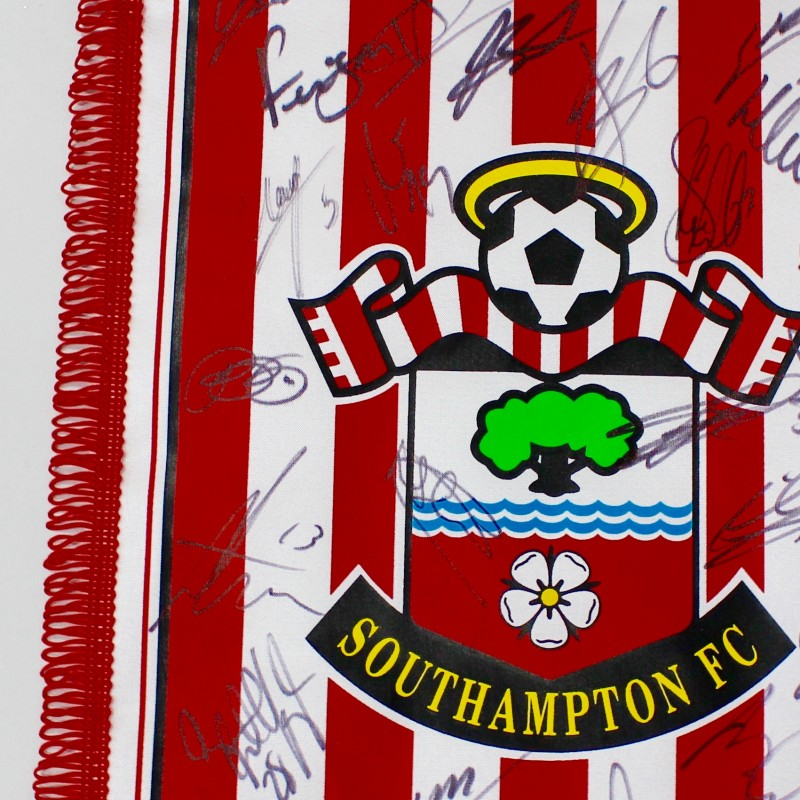 Southampton FC Pennant Signed by 16/17 First Team Squad