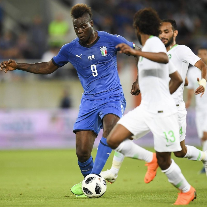 Balotelli's Match-Issue/Worn Italy-Saudi Arabia Friendly Shirt