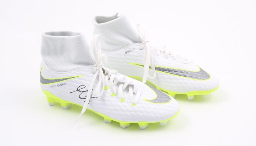 check out 95658 0ac6f Nike Hypervenom Boots Signed by Mario Mandzukic - CharityStars