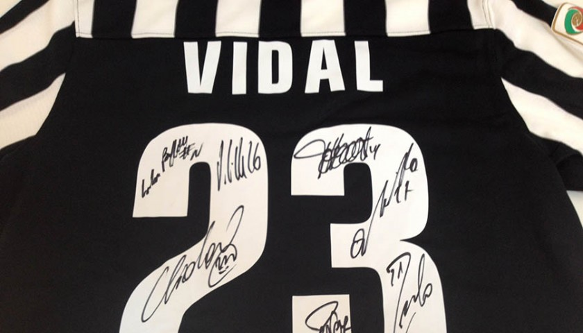 buy online 7981c 69830 Vidal fanshop shirt signed by Juventus players - #JuveX3 - CharityStars