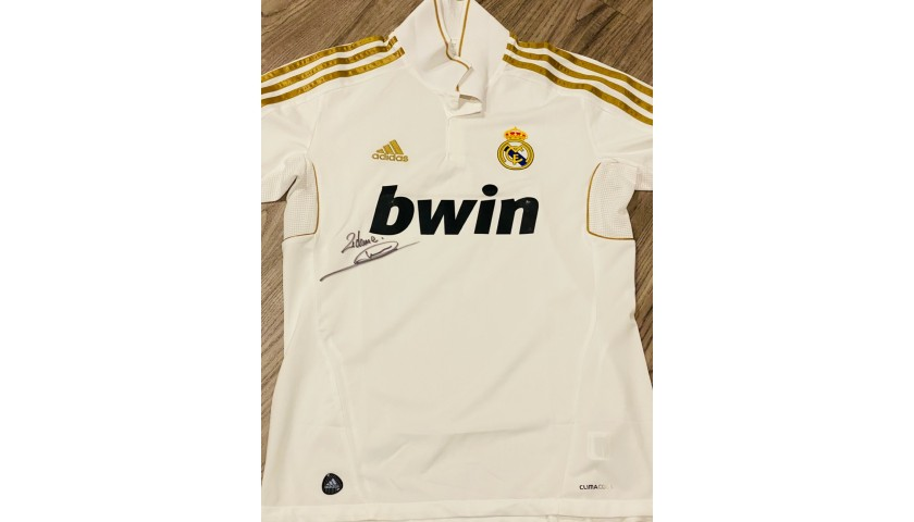 Real Madrid Authentic Shirt Signed by Zidane