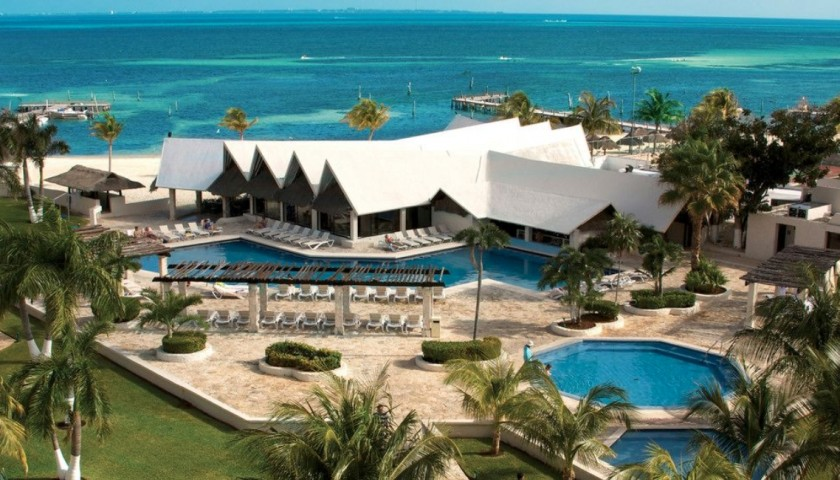 4-Night Stay at Sunset World in Cancun, Mexico