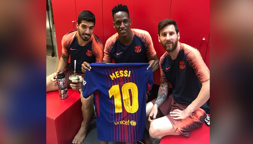 d2b577665 Official 2017/18 Barcelona FC Shirt Signed by Messi - CharityStars