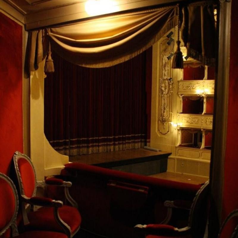 Palco in esclusiva per 4 persone al Teatro Sociale Como