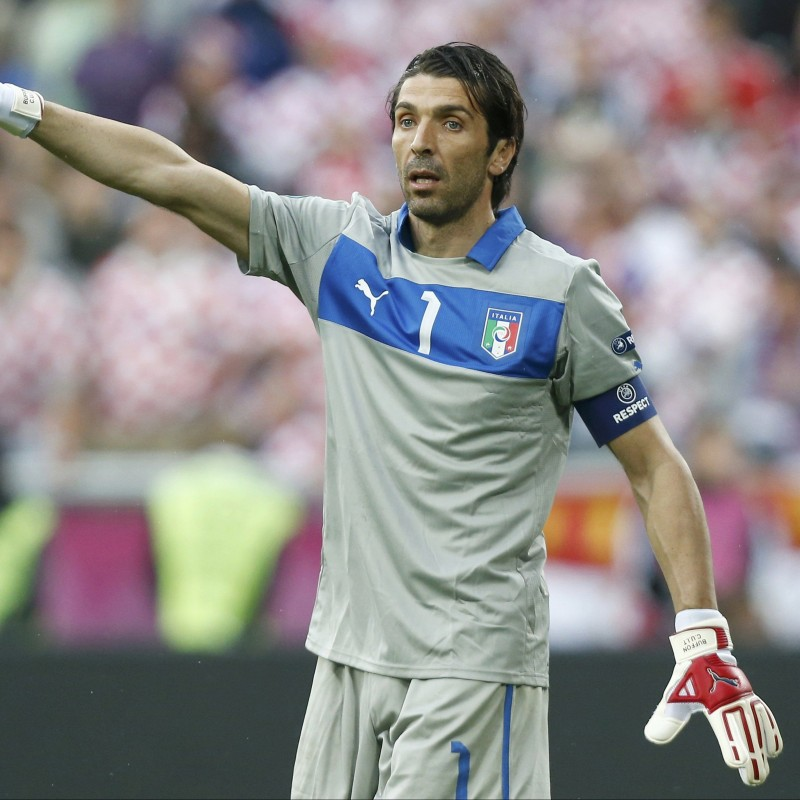 Buffon's Italy Match Shirt, World Cup Qualifiers 2014