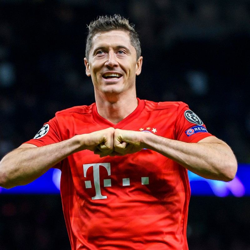 Lewandowski's Official Bayern Munich Signed Shirt, 2019/20