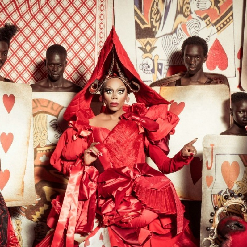 "Exclusive ""Pirelli 2018"" Calendar by Tim Walker"