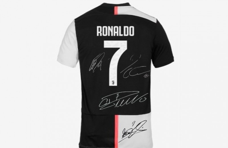 CR7 Juventus Home Shirt, 2019/20 - Signed by the Players