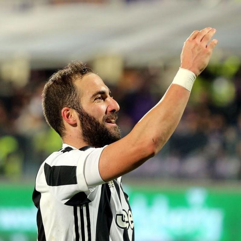 Signed Official 2017/18 Higuain Juventus Shirt