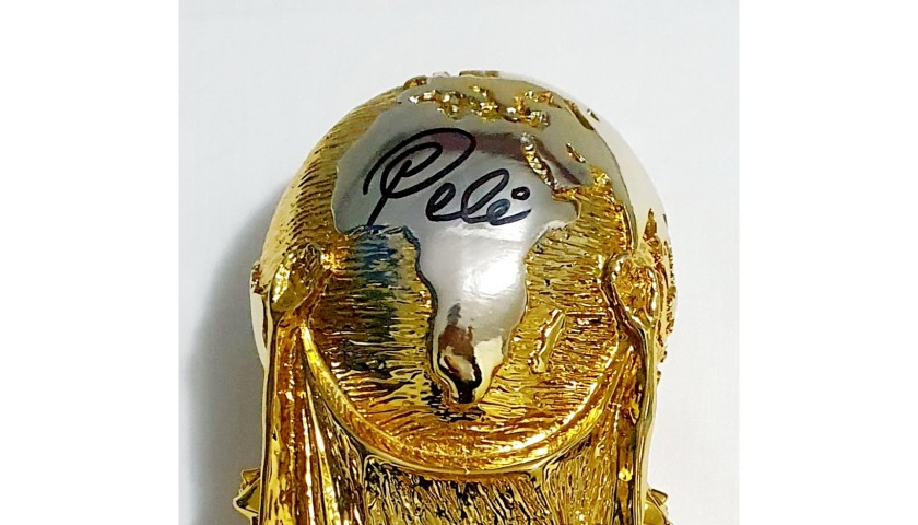 Pele Signed Replica World Cup